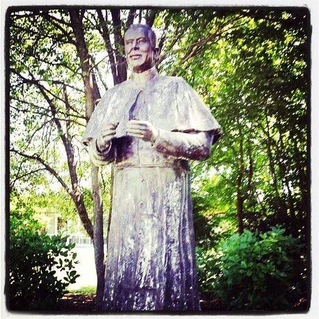 Photo of Fr. Peyton