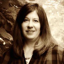 Carolyn Astfalk Headshot